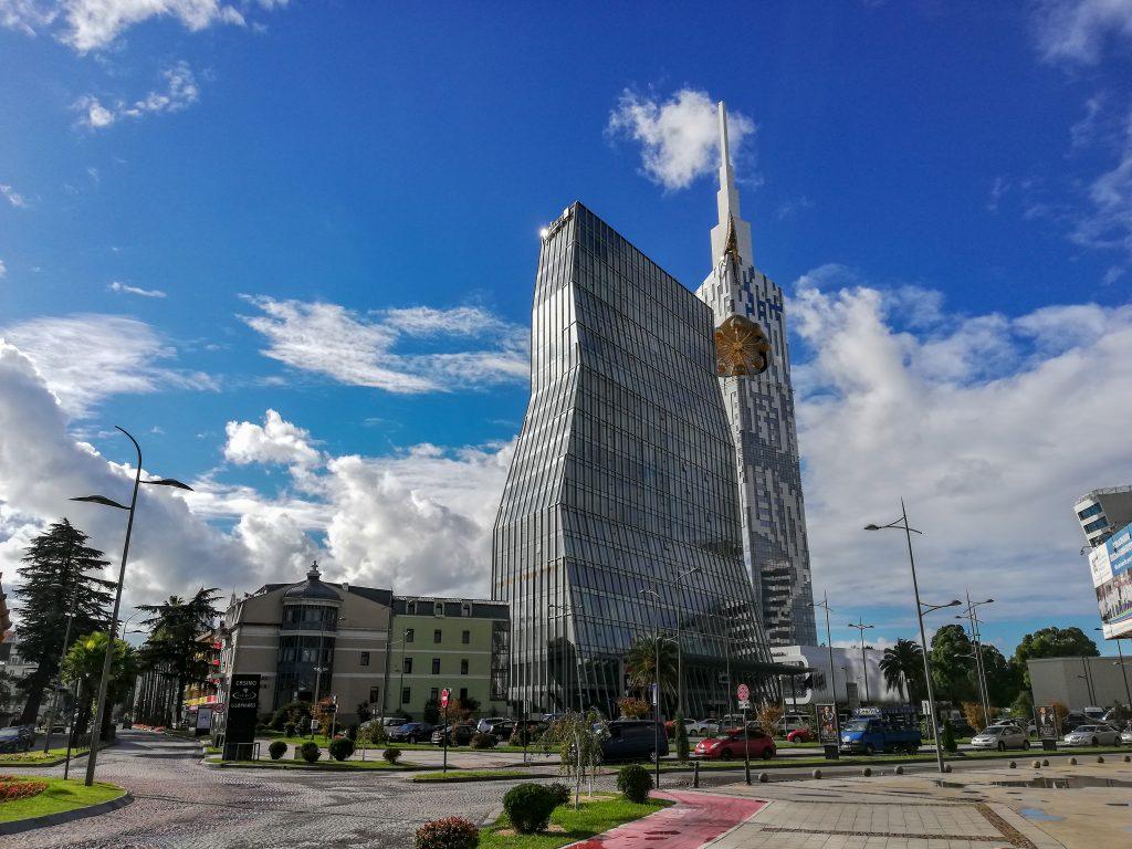 Ένα από τα πιο εμβληματικά ξενοδοχεία της πόλης, Radisson Blu στο Μπατούμι