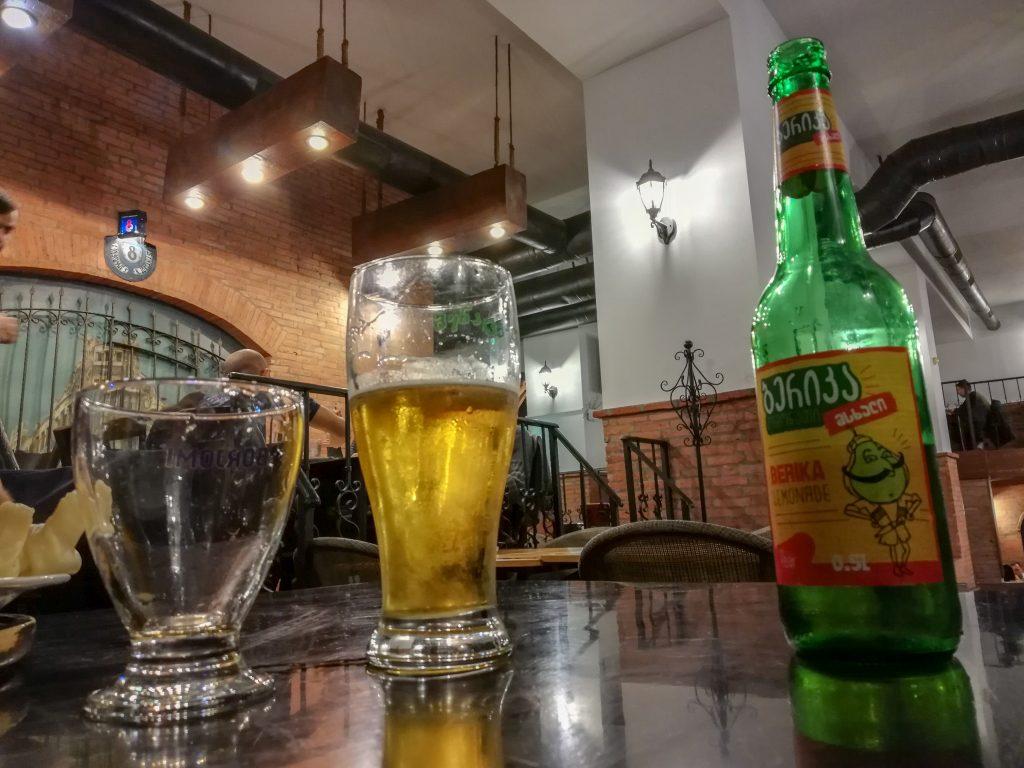 Αναψυκτικό με χυμό αχλάδι στο Μπατούμι