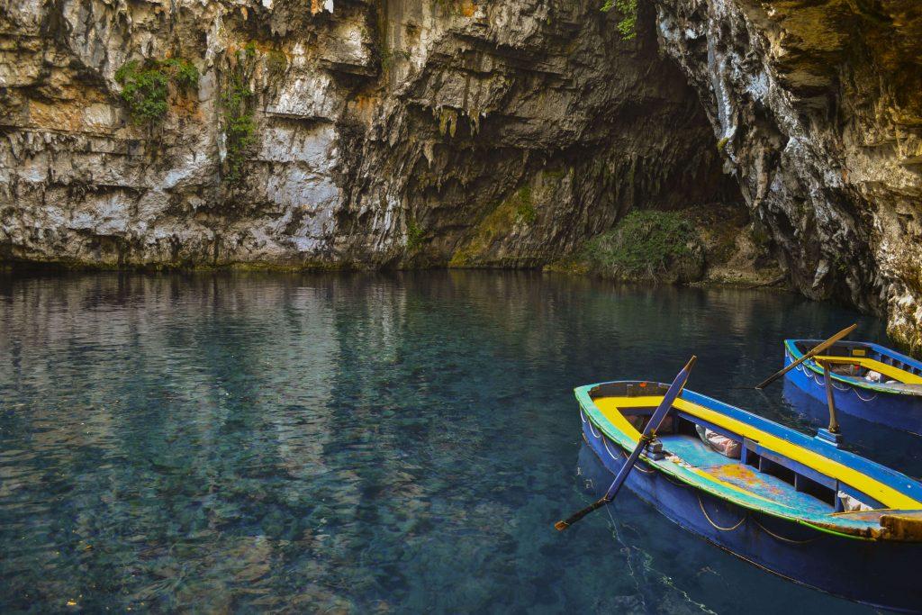 Μέσα στο Σπήλαιο της Μελισσάνης