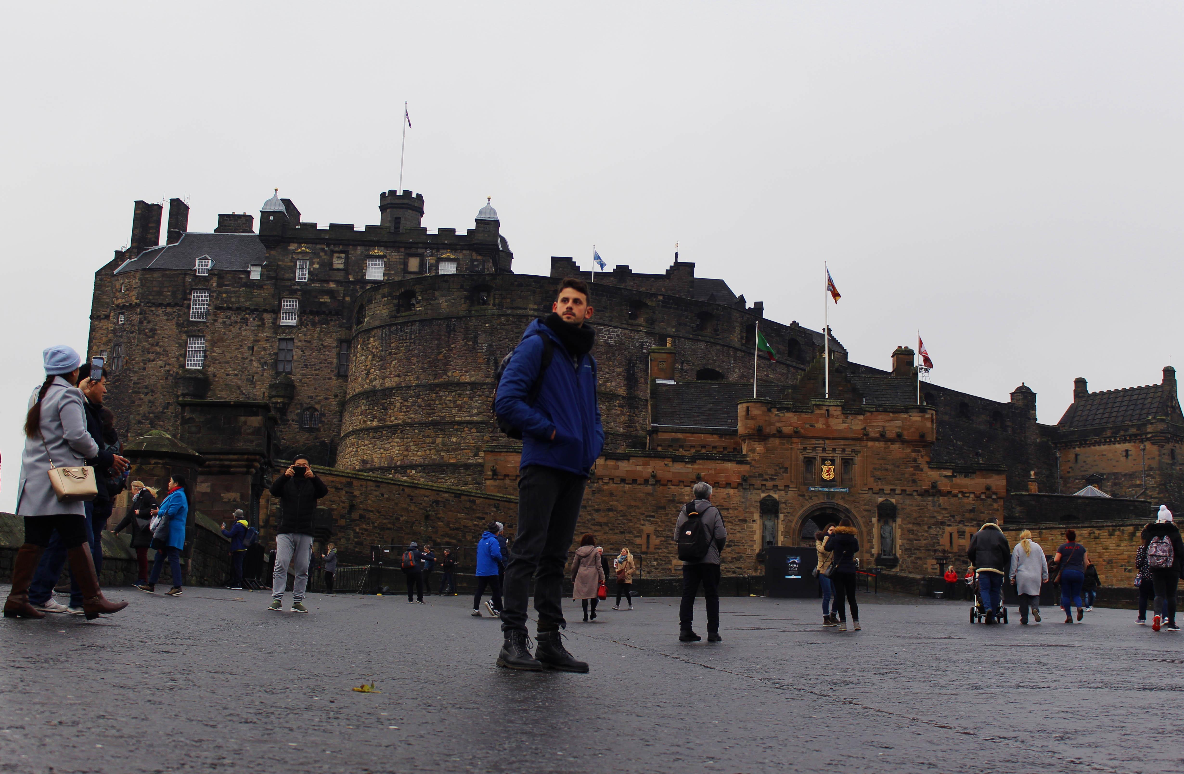 """Εδιμβούργο: Solo στην πόλη που """"γεννήθηκε"""" ο Harry Potter"""