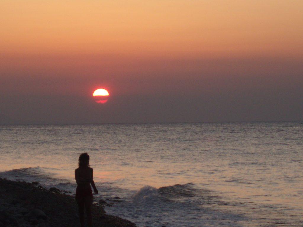 Πολύχρωμα Ηλιοβασίλεμα Σαμοθράκης στην παραλία