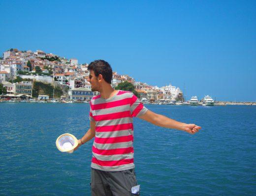 Σκόπελος: Διακοπές στο γαλαζοπράσινο νησί των Σποράδων