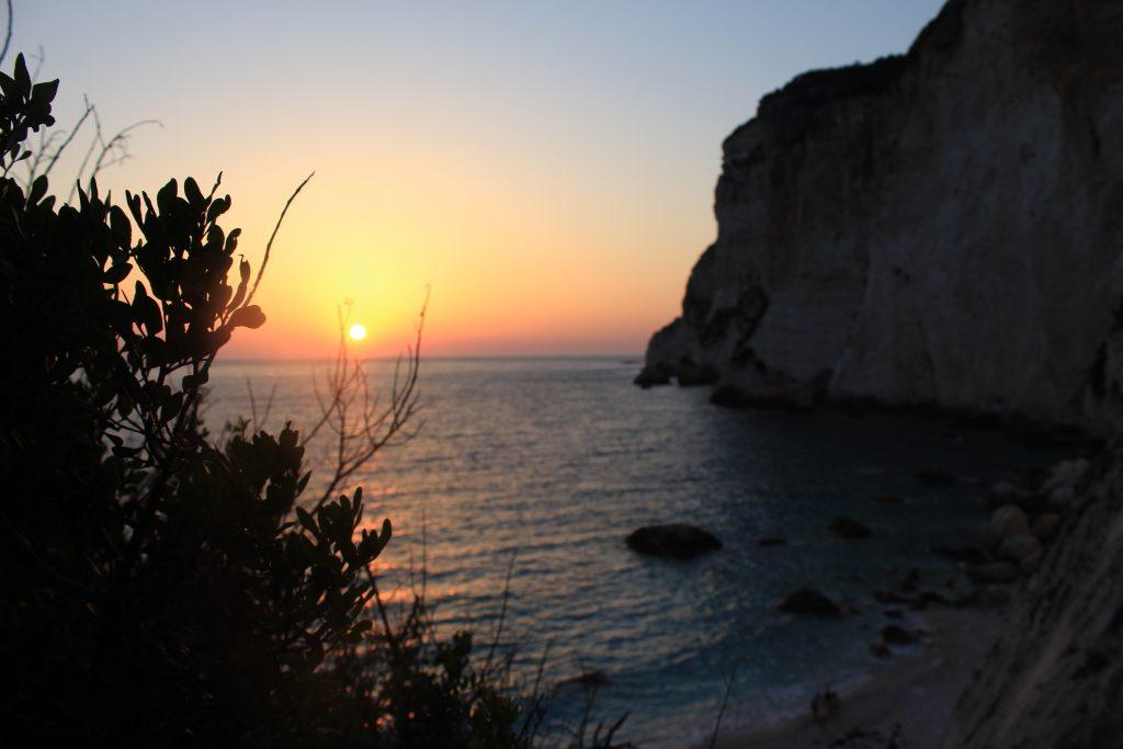 Ηλιοβασίλεμα Ερημίτη Παξοί