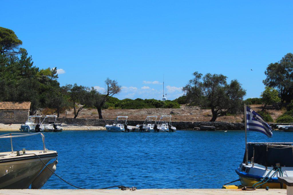 Άποψη από το νησί απέναντι των Παξών