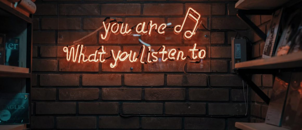 Άκουσε ελληνικά και Ξένα Podcasts