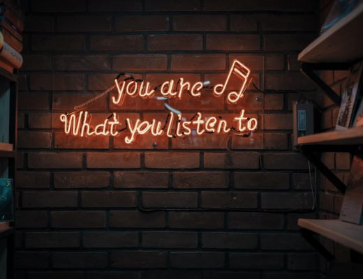 Podcast ελληνικά και ξένα για να ακούς συνέχεια