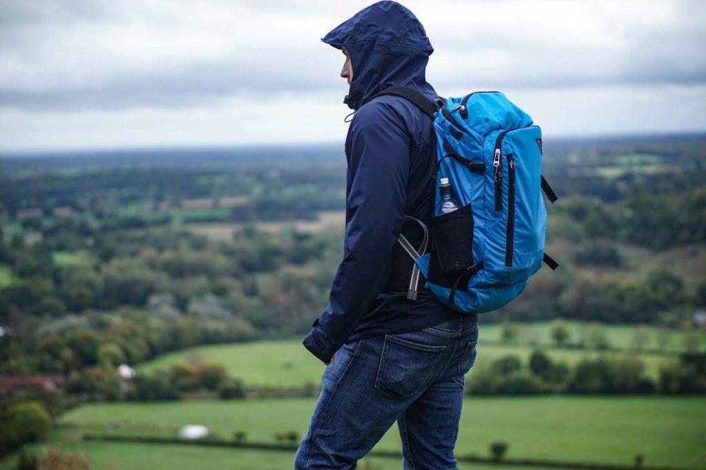 Εξόρμηση με backpack στην εξοχή